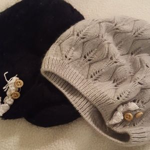 Set of 2 knit hats